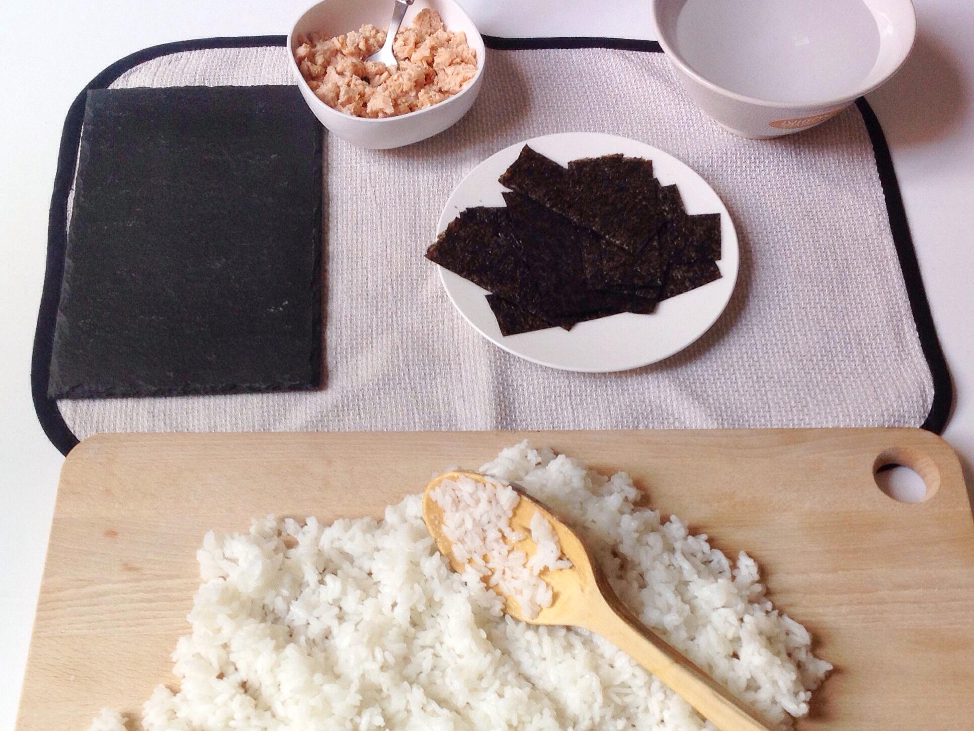 lacucharazul_onigiri_salmón2