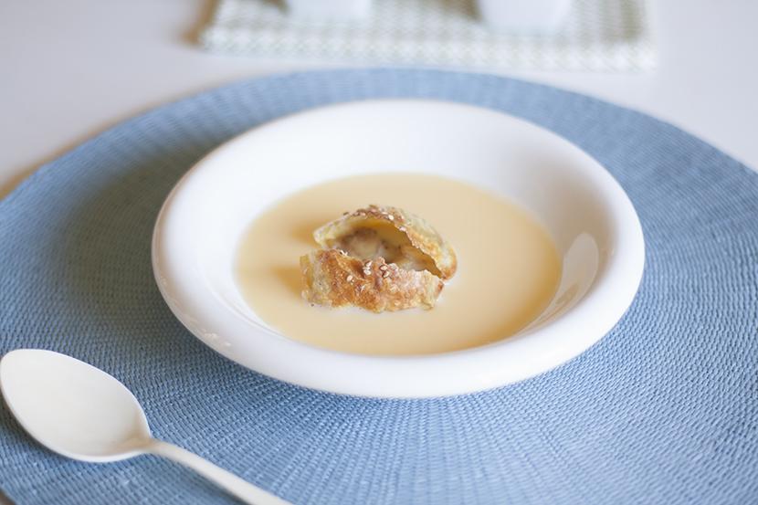 la-cuchara-azul-crema-inglesa-romero-pasta-wonton-manzana-strudel-2
