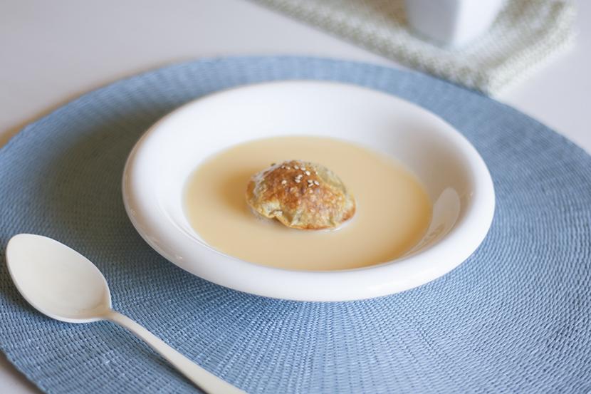 la-cuchara-azul-crema-inglesa-romero-pasta-wonton-manzana-strudel-3