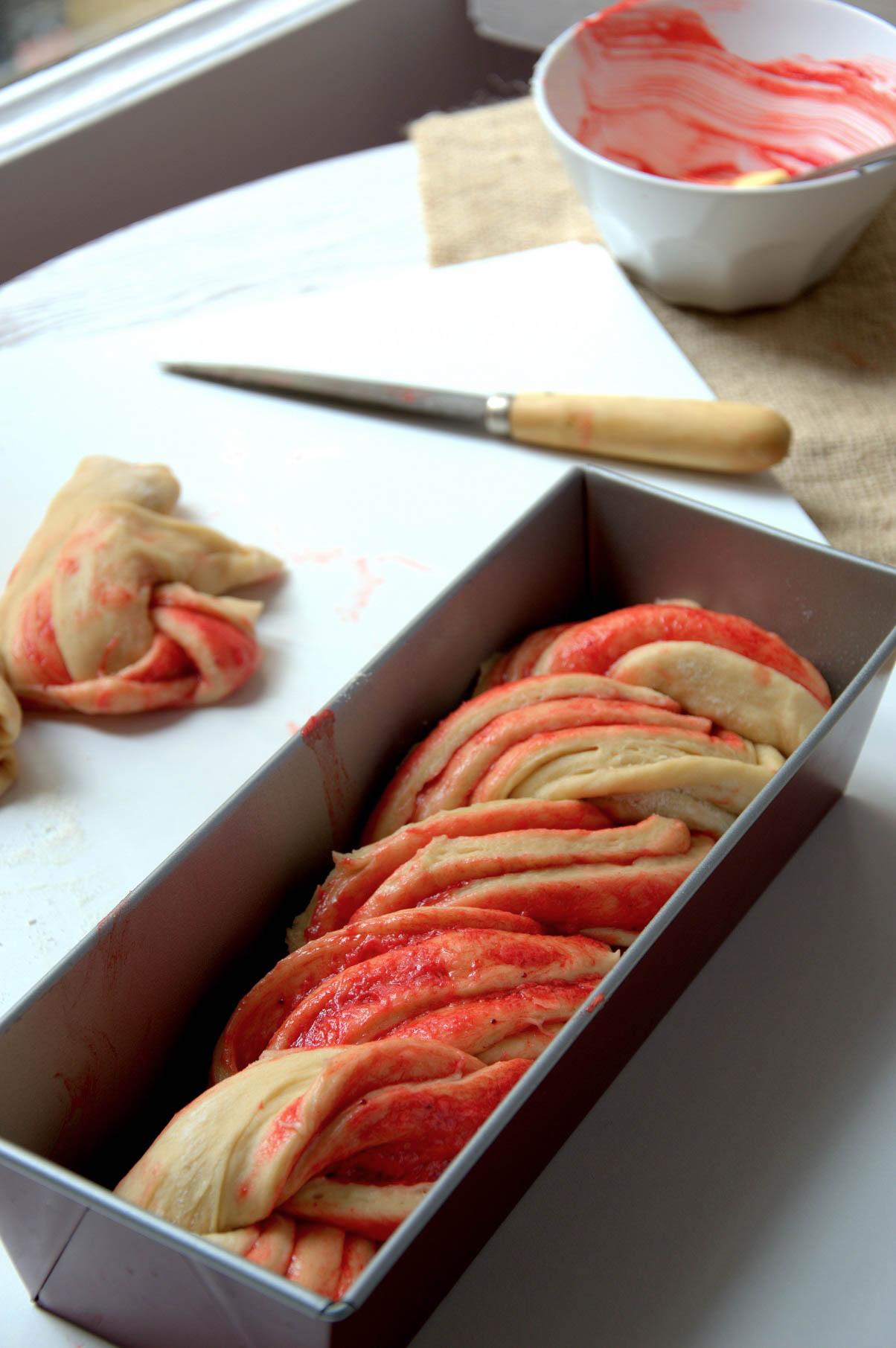 Brioche trenzadode fresa listo para hornear